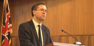 Simon Henig speaking